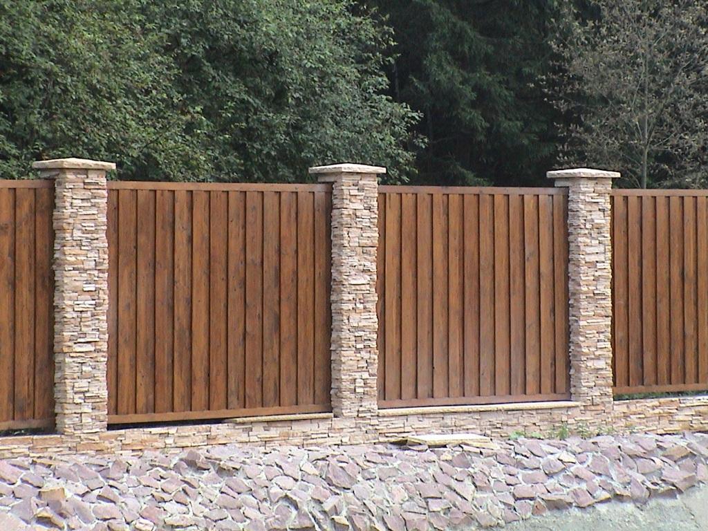Варианты деревянных заборов